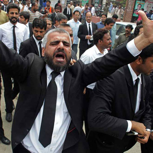 lawyers-protesting